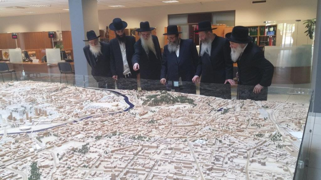 International Rabbinic Delegation Travels to Vilnius to Plea for the Cancellation of Development Plans on the Snipiskes Cemetery