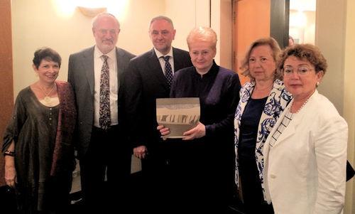 Dalia Grybauskaitė susitiko su Pasaulio žydų kongreso delegacija