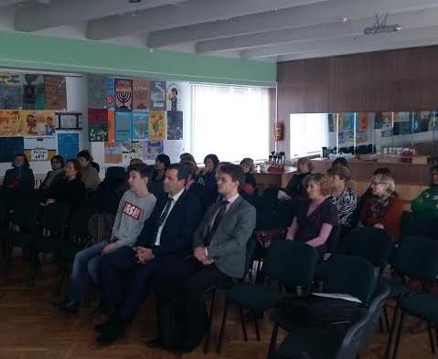 """Panevėžyje įvyko konferencija """"Holokausto istorija – tiltas iš praeities į ateitį"""""""