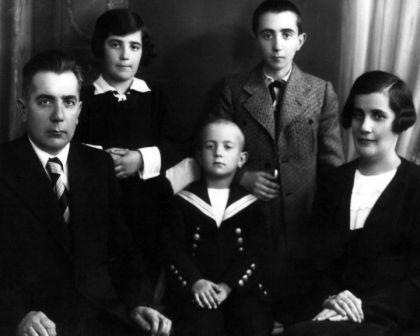 Mokslinės įžvalgos Holokausto tema