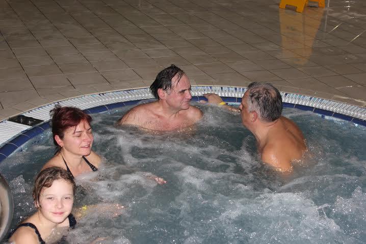 """Kauno žydų bendruomenės nariai aktyviai lanko """"Makabi"""" plaukimo užsiėmimus"""