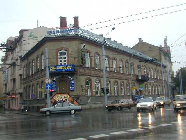 Israeli Street Food Kiosk to Operate All Summer in Vilnius