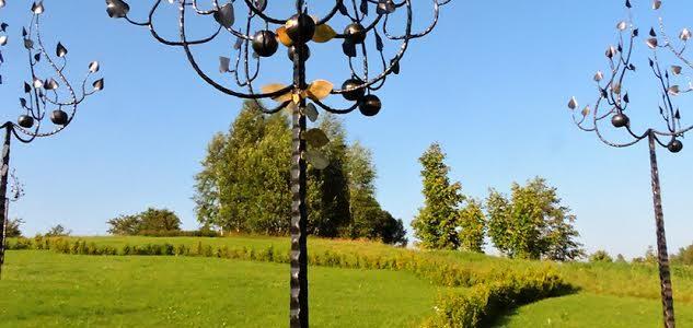 Gelbėtojų obelies atidengimas Litvakų atminimo sode (Medsėdžių kaime, Platelių seniūnijoje);