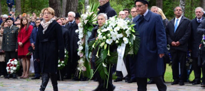 LŽB pirmininkės F. Kukliansky kalba Paneriuose Holokausto aukų pagerbimo ceremonijoje