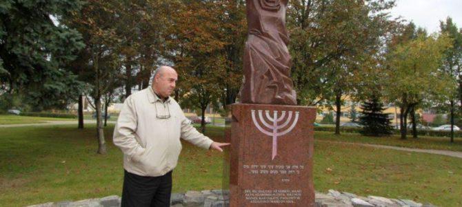 Kiekvienais metais ta pati problema prie žydų žudymo vietų