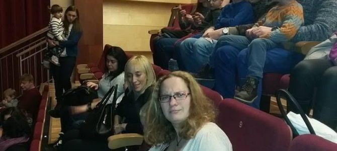 Šventinis Burbulų teatro pasirodymas JFS programos vaikams