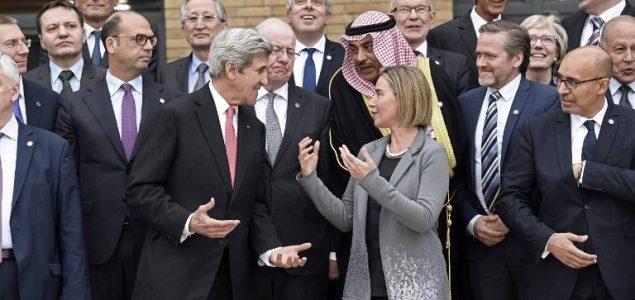 Nepaisydami Izraelio nuomonės, po Paryžiaus aukščiausiojo lygio susitikimo ES ministrai buriasi taikos pastangoms