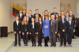 Laisvės gynėjų dieną Šolomo Aleichemo ORT gimnazija minėjo su prezidentu Valdu Adamkumi