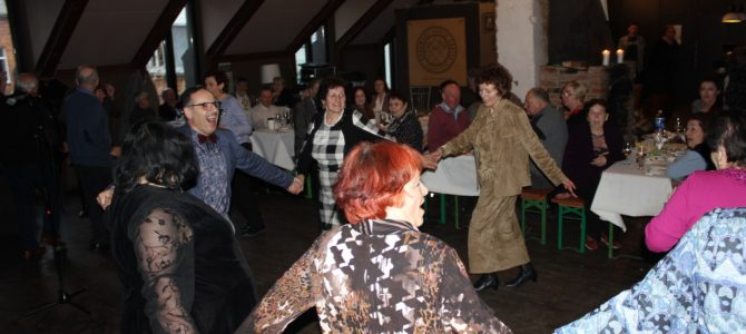 Kauno žydų bendruomenė švenčia Pesachą su šokiais ir dainom