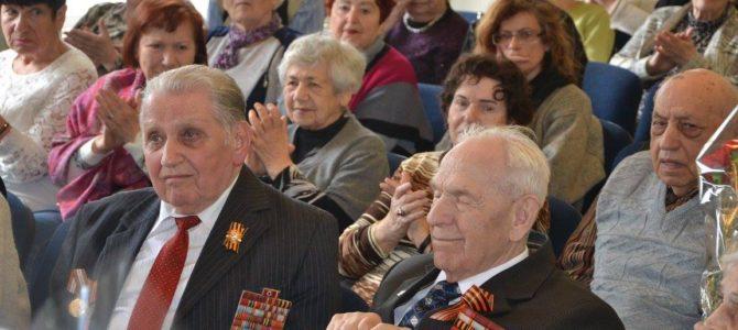 """""""Abi Men Zet Zich"""" klubas švenčia Pergalės dieną"""