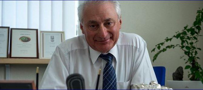 Miša Jakobas, Vilniaus  Šolomo Aleichemo ORT gimnazijos direktorius sveikina su Rugsėjo 1-aja