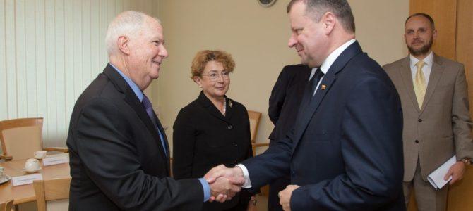 Premjeras S. Skvernelis susitiko su  Amerikos žydų kongreso tarptautinių reikalų direktoriumi rabinu Andrew Bakeriu (papildytas)