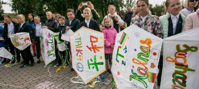 Č.Sugiharos savaitės Kaune metu japoniški aitvarai nuspalvino Kauno padangę