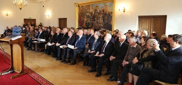 Raudondvario pilyje įvyko konferencija skirta K.Griniaus, J.P. Aleksos bei M. Krupavičiaus memorandumo 75-osioms metinėms