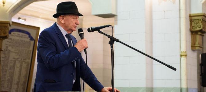 Vilniaus žydų religinės bendruomenės vadovas Simas Levinas prisimena savo paauglystės Chanuką Šiauliuose