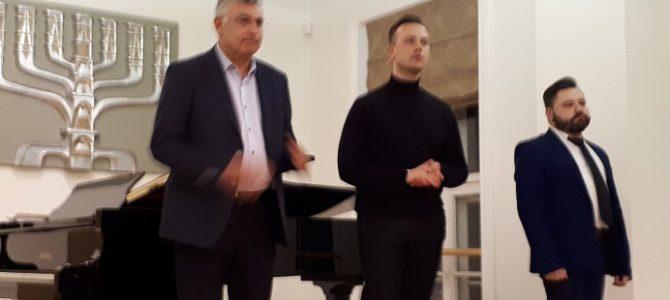 """LŽB pristatytas Sergejaus Kanovičiaus, tenoro Rafailo Karpio ir pianisto Dariaus Mažinto projektas:  """"Apkabinti būtąjį kartinį"""""""