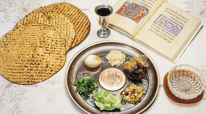 the history of the jewish tradition of pesach Passover: main facts and traditions of the holiday to begin with, it will be better to discuss how it all started the history of the holiday goes back to the early ages when jewish people lived.