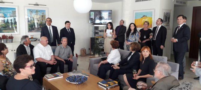 Izraelio valstybės ambasadorius Lietuvoje Amiras Maimonas pakvietė pagerbti nepriklausomybės akto signatarą, ilgametį Seimo narį Emanuel į Zingerį