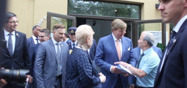 Kaune įamžintas Nyderlandų garbės konsulo Lietuvoje, Pasaulio tautų teisuolio J. Zwartendijk atminimas