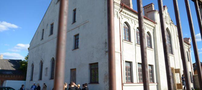 Senojoji Kalvarijos sinagoga nušvito nuo žydiškų dainų