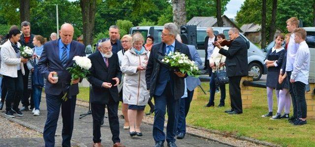 Jurbarke prisimintos Holokausto aukos ir jų gelbėtojai
