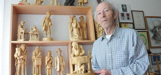 """Jakovo Bunkos medžio skulptūrų paroda """"Platelių Mozė"""""""