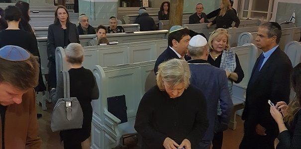 Vilniaus Choralinėje sinagogoje pagerbtas Pitsburge nužudytų žydų atminimas