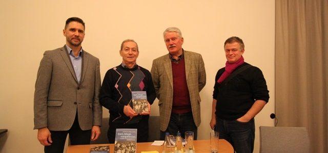 """Dr. S. Strelcovo knygos """"Geri, blogi, vargdieniai: Č. Sugihara ir Antrojo pasaulinio karo pabėgėliai Lietuvoje"""" pristatymas"""