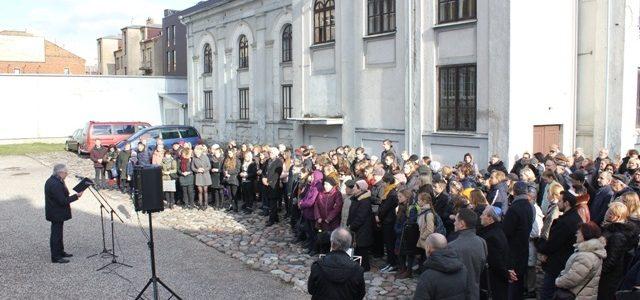 Kaune pagerbtos žiaurios Vaikų akcijos aukos Kauno gete