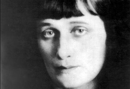 Jewish Influences in the Life of Russian Poetess Anna Akhmatova