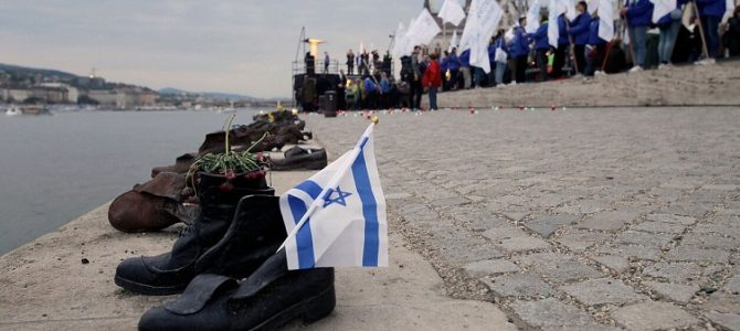 Mitingas prie Lietuvos konsulato Niujorke: Lietuva peržiūri Holokausto istoriją