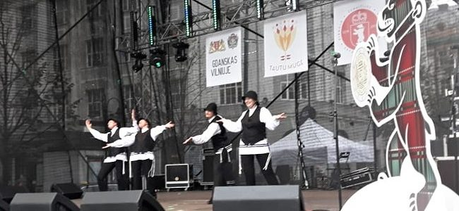 """Ансамбль еврейской песни и танца """"Fajerlech"""" принял участие в традиционной """"Ярмарке народов"""""""