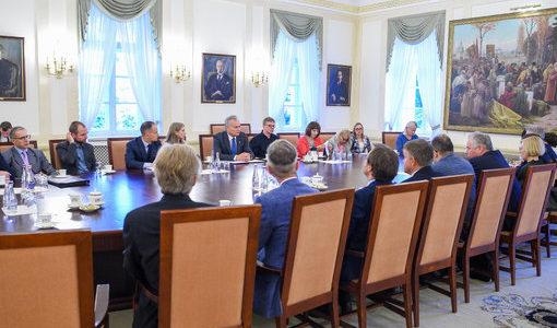 Президент Литвы: мы должны оставаться литовцами, и лишь потом европейцами и всем прочим