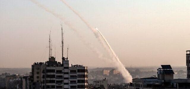 Izraelio kariuomenė kovoja su raketomis iš Gazos ruožo