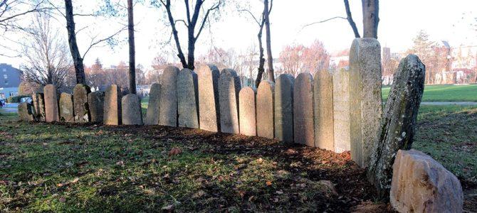 Plungėje rasti ir palaidoti šimtą metų gulėję žydų palaikai