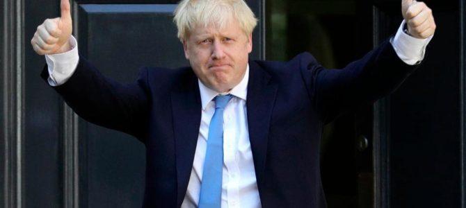 Boris Džonson (Boris Jonson) –  Jungtinės Karalystės ministras pirmininkas sveikina visus žydus: draugus, kaimynus, gimines,- visus, kur jie begyventų,- su Chanukos švente.