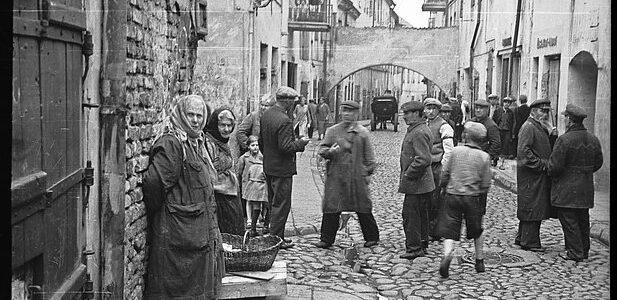Jewish Quarter of Vilnius: From Grand Duke's Privilege to Soviet Demolition