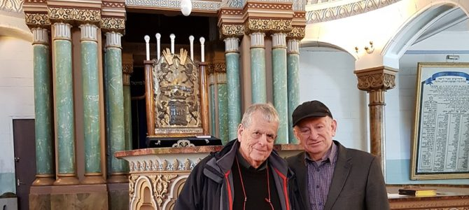 Vilnius Religious Jewish Community Chairman Inspects Electrical Work at Synagogue, Discovers Nobel Prize Winner by Accident