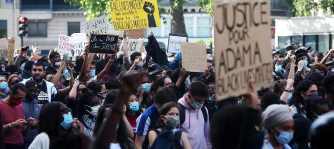Во Франции проверят факт антисемитских выкриков на митингах против расизма
