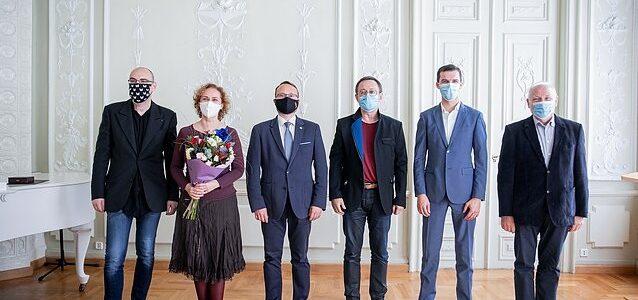 Šešiems Lietuvos kūrėjams įteikė aukščiausius Kultūros ministerijos apdovanojimus.  Lietuvos žydų (litvakų) bendruomenė sveikina su galingu apdovanojimu