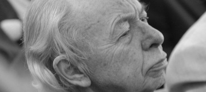 Mirė Lietuvos rašytojų sąjungos narys, literatūros ir teatro kritikas, vertėjas Dovydas Judelevičius