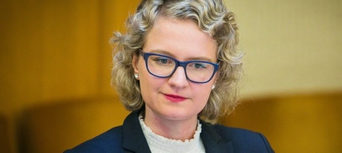 Sveikina Seimo narė, Laisvės partijos pirmininkė Aušrinė Armonaitė