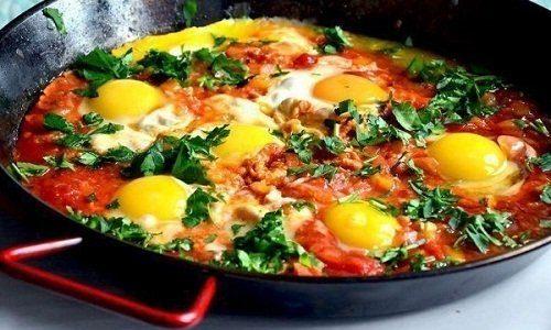 Kviečiame drauge gaminti  izraelietišką kiaušinienę – Šakšuką