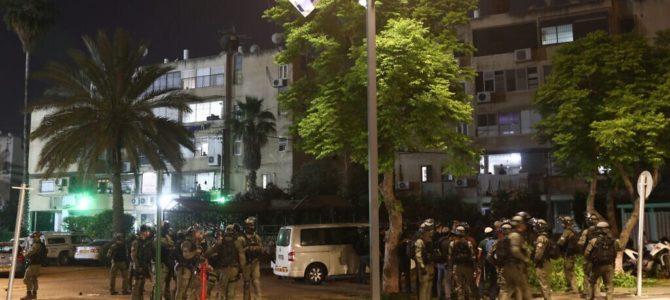 Izraelio Gynybos ministras B. Gantzas įsakė sušaukti pasienio patrulių rezervą. Žydų ir arabų smurto spiralė tęsiasi