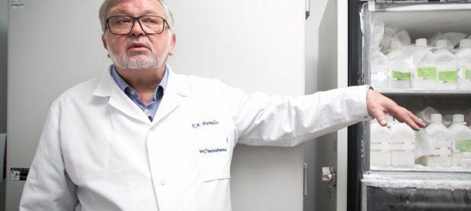 Bumelis pristatė vakcinų gamybos planą: Lietuva kuria, latviai pilsto į buteliukus