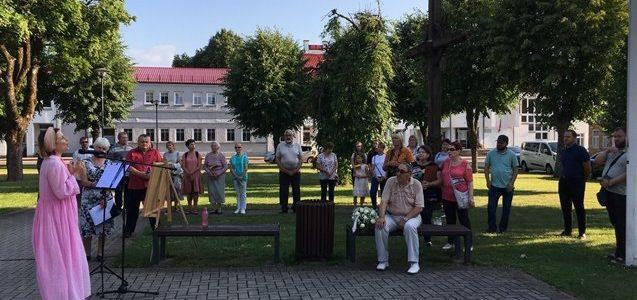 Šiauliai Regional and Klaipėda Jewish Communities Commemorate Holocaust Victims in Ylakiai