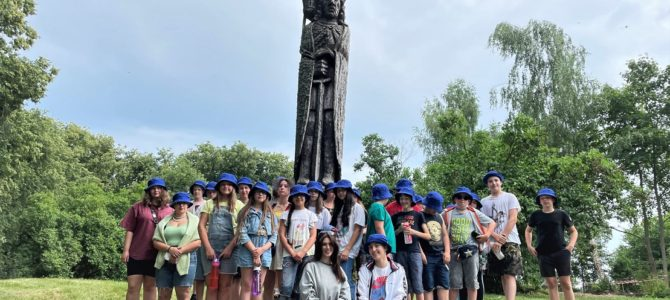Žydų bendruomenės vaikai džiaugiasi vasara stovyklose