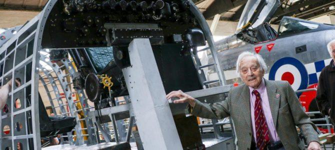 Умер бомбивший «Орлиное гнездо» Гитлера еврейский ветеран британских ВВС