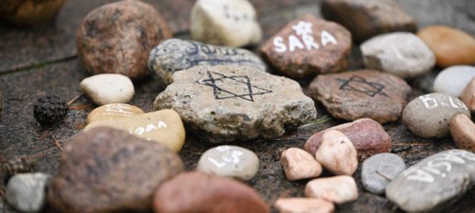 Kviečiame į Holokausto aukų minėjimą Panerių memoriale